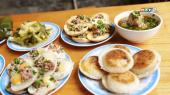 Hành Trình Ẩm Thực Việt Nam Tập 13 : Thưởng thức món bánh hỏi thịt nướng, hoành thánh Vĩnh Lợi, bánh căn Lệ tại Thành phố Đà Lạt
