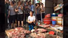 Khởi Tố Vụ Án Hất Chất Bẩn Vào Quầy Thịt Heo