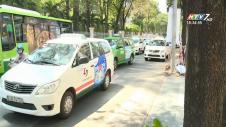 TP.HCM Đề Xuất Quản Lý Grab, Uber Như Taxi Kiểu Mới
