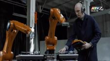 Thú Vị Với Robot Biết Chơi 5 Loại Nhạc Cụ