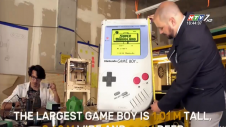 Máy Game Boy Lớn Nhất Thế Giới