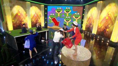 Xem Show Chương Trình Thực Tế 7 Nụ Cười Xuân Tập 11 : Nam thần Thuận Nguyễn làm náo loạn gia đình 7 Nụ HD Online.
