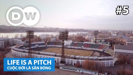 Xem Show TRUYỀN HÌNH THỰC TẾ  Cuộc Đời Là Sân Bóng Tập 05 : Trud Stadium, Irkutsk, Russia HD Online.